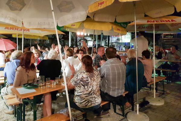 Beef Ribs und Livemusik am 10.08.2019